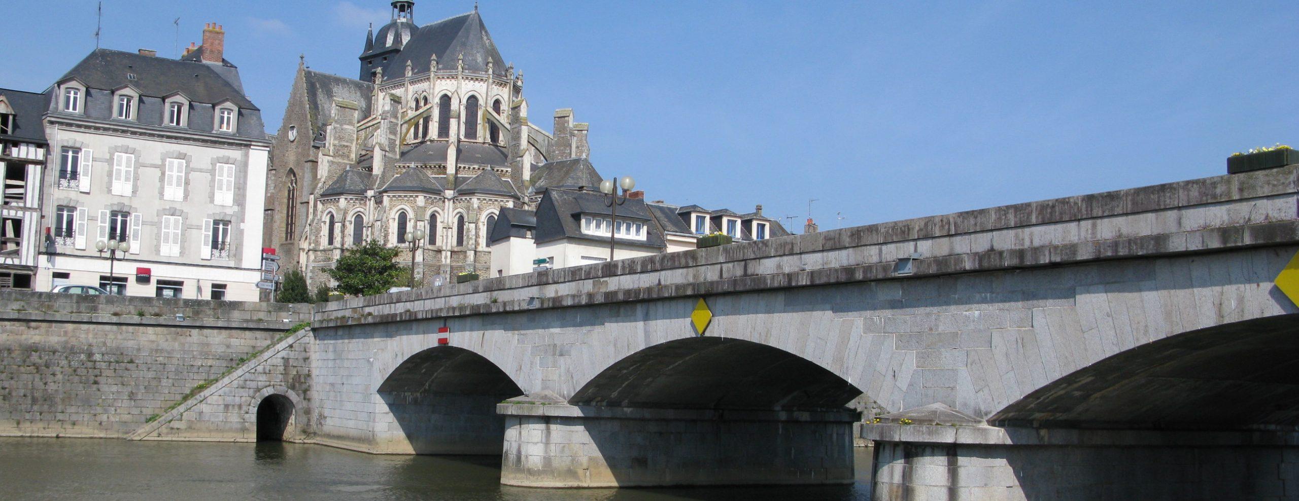 Mayenne_-_Pont_Notre-Dame